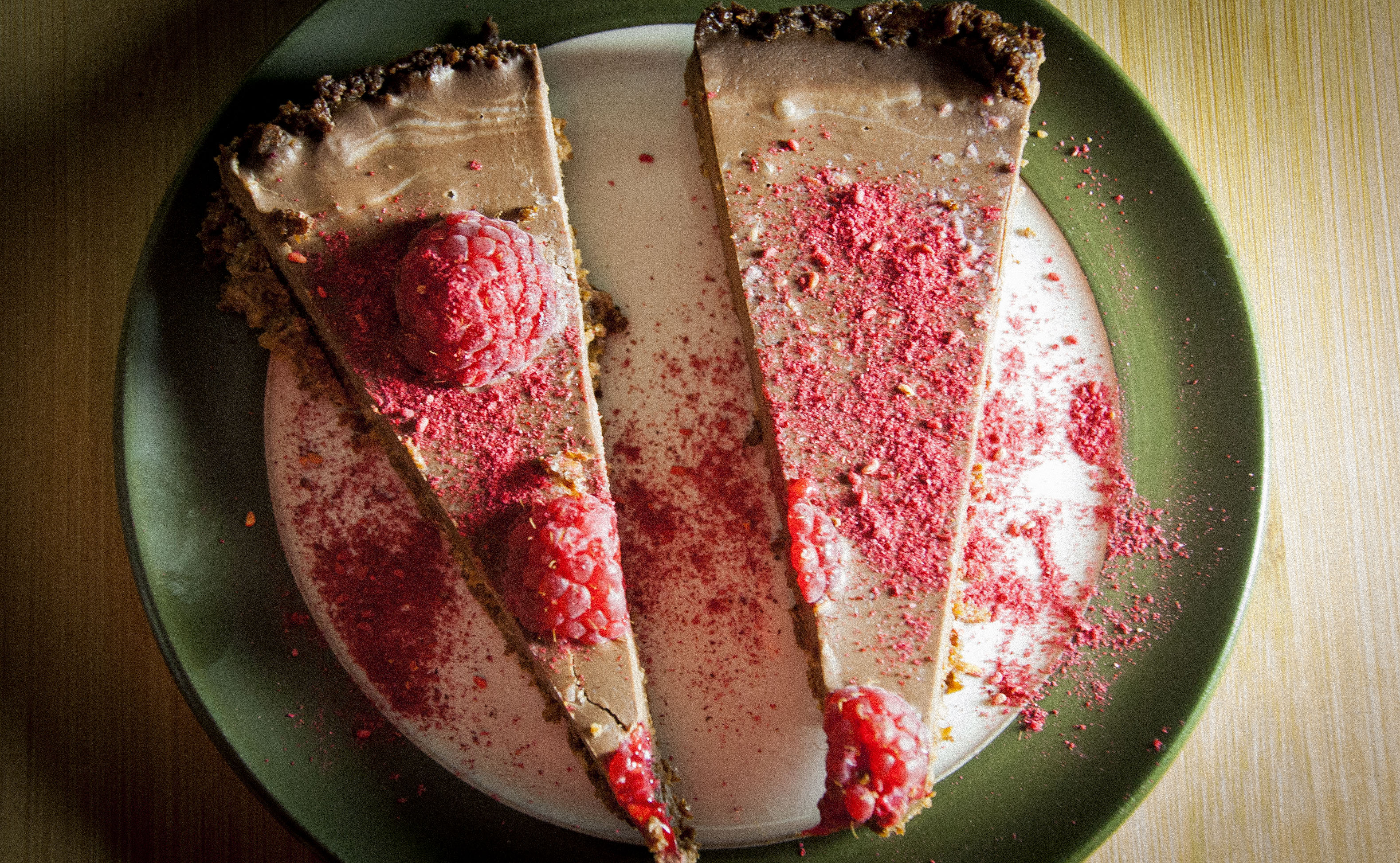 A rather healthy chocolate ganache tart (GF, V, VG, SF)